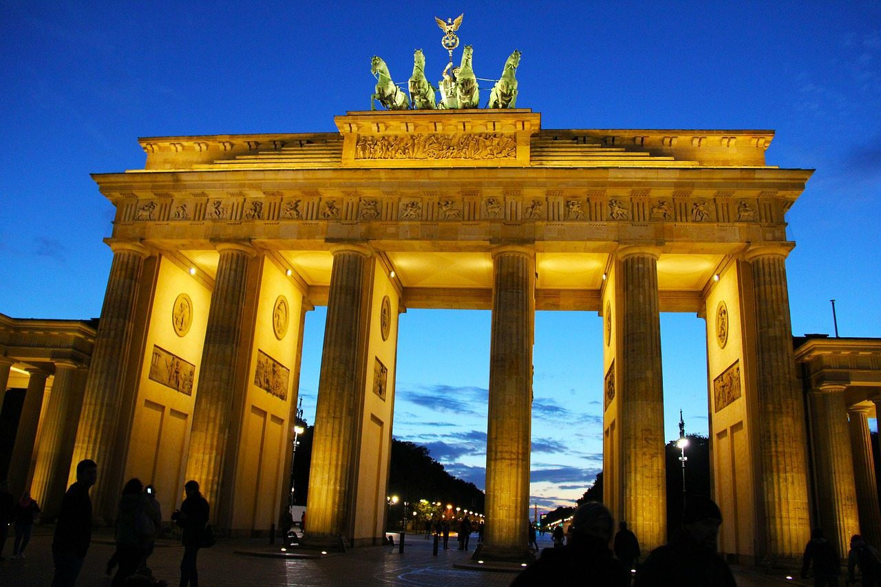 berlin things to do brandenburg gate